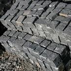 kostka z czarnego chińskiego granitu