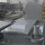 Nagrobek z granitu chińskiego G623 (Rosa Beta)